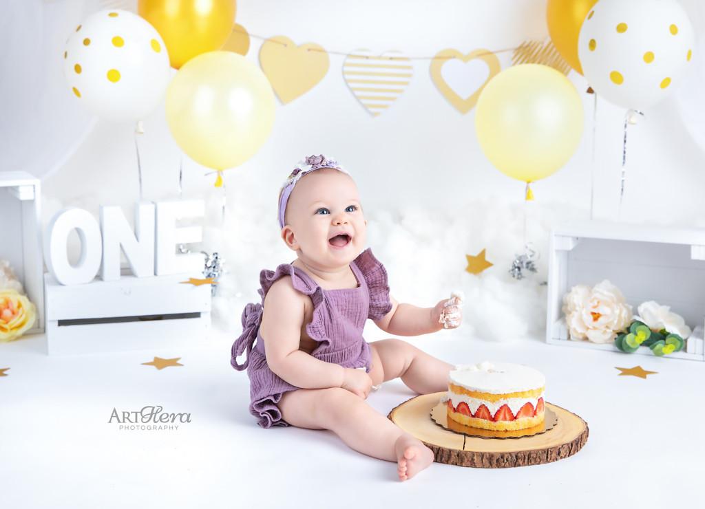 Burnaby Cake Smash Photography